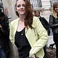 Kristen出席「巴黎世家」巴黎時尚週 -2012-9-27 (2)