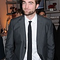 Rob出席 19th Annual ELLE Women in Hollywood Celebration-20121015(1)