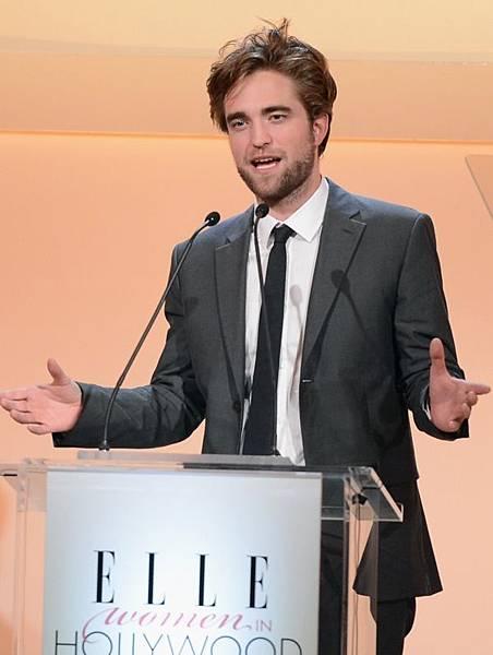 Rob出席 19th Annual ELLE Women in Hollywood Celebration-20121015 (5)