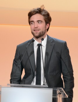 Rob出席 19th Annual ELLE Women in Hollywood Celebration-20121015 (8)