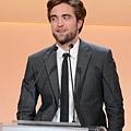 Rob出席 19th Annual ELLE Women in Hollywood Celebration-20121015 (8)
