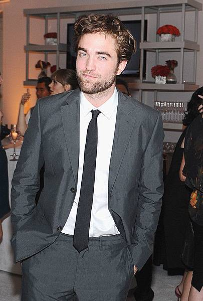 Rob出席 19th Annual ELLE Women in Hollywood Celebration-20121015 (24)