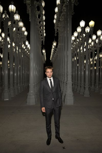 Rob 出席 藝術電影節《2012 Art + Film Gala》-20121027 (4)