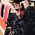 2012 Rob 登上「L'Uomo Vogue」十一月號(3)