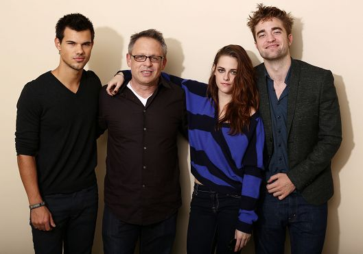 【洛杉磯】BD2電影宣傳-記者會-Rob、Kristen、Taylor and Bill Condon (2)