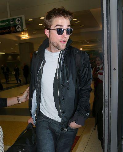 Robsten 共渡倫敦感恩節假期返回紐約-20121125 (4)