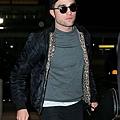 Rob 在甘迺迪國際機場,飛回倫敦過聖誕節-20121222 (6)