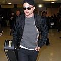 Rob 在甘迺迪國際機場,飛回倫敦過聖誕節-20121222 (8)