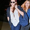 Kris at  LAX機場飛往倫敦跨年與 Rob 會合渡假-20121227 (4)