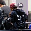 Kris at  LAX機場飛往倫敦跨年與 Rob 會合渡假-20121227 (5)