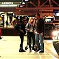Kris at  LAX機場飛往倫敦跨年與 Rob 會合渡假-20121227 (9)