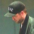 Robert Pattinson 觀看 Bjork 音樂會-20130608 (5)