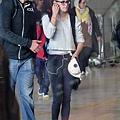 Kristen 前往香奈兒巴黎時裝周 Arriving Paris -20130701 (6).jpg