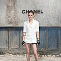 Kristen 出席巴黎時裝週「The Chanel Fall Couture Show」 -20130702 (26).jpg