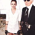 Kristen 出席巴黎時裝週「The Chanel Fall Couture Show」 -20130702.jpg