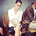 Kristen 出席巴黎時裝週「The Chanel Fall Couture Show」 -20130702 (2).jpg