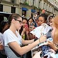 Kris 在巴黎外出-20130702 (10).jpg