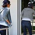 Kristen 外出前往工作室為電影 Camp X-Ray做準備-20130708 (6).jpg