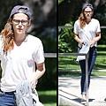 Kristen 外出前往工作室為電影 Camp X-Ray做準備-20130708 (10).jpg