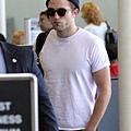 Rob 在LAX機場,前往多倫多準備《星圖》拍攝 -20130717 (3).jpg