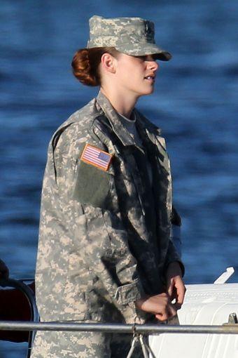 Kristen 在《Camp X- Ray》拍片現場- 20130717 (12).jpg