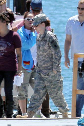 Kristen 在《Camp X- Ray》拍片現場- 20130717 (15).jpg