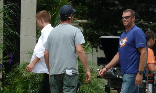 Robert Pattinson filming on the set-20130722(1).jpg