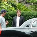 Robert Pattinson filming on the set-20130722 (3).jpg