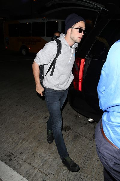 Rob landing at LAX - 20130723 (6).jpg