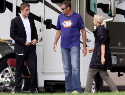 Robert Pattinson filming on the set-20130722 (11).jpg