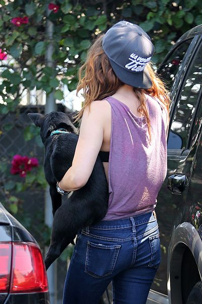 Kristen Out & About In L.A. Over The Weekend-20130727 (4).jpg