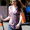 Kristen Out & About In L.A. Over The Weekend-20130727 (5).jpg