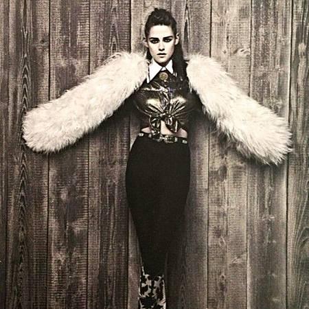 Kristen Stewart  代言  Chanel Métiers D'Art Paris-Dallas 2014-03-28 (5).jpg
