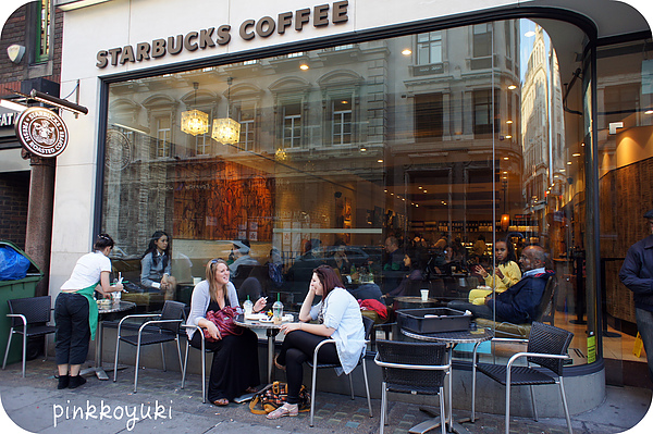 The 1st Starbucks in UK.jpg