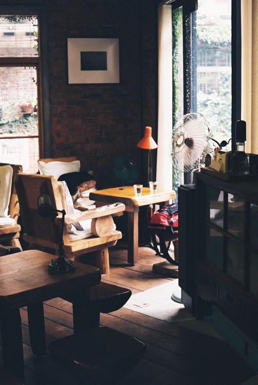 房間咖啡。a Room