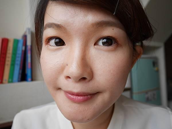 CAZANNE 緊緻小臉修容棒 光彩打亮修容棒
