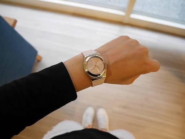 COCO HO Swatch 聯名手錶 運動時尚