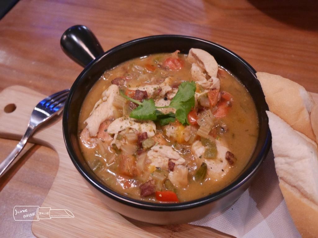 新竹大遠百 美式餐廳 WeCan Gumbo 美式濃湯 聚餐 粗曠風格