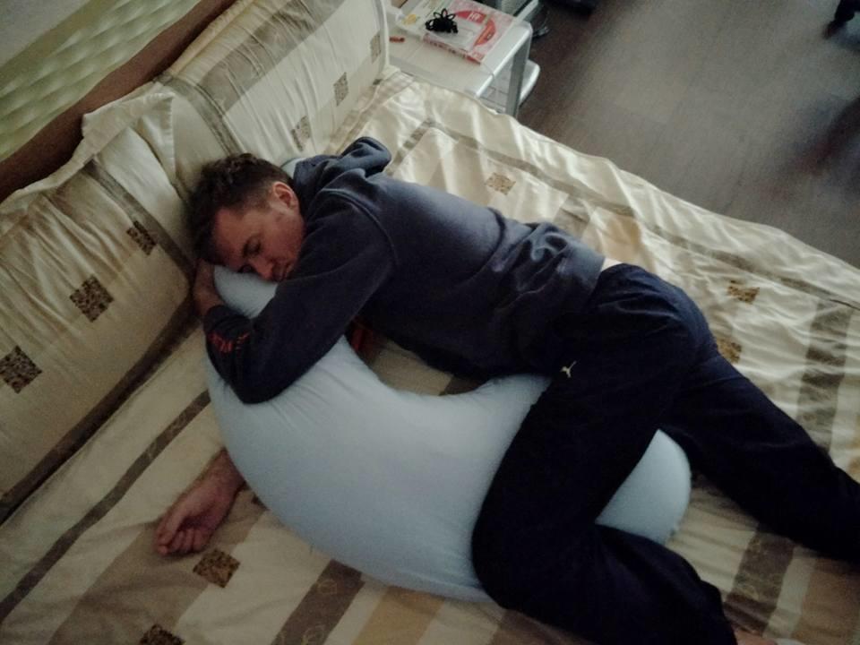 Hugsie孕婦枕 月亮枕 孕期推薦
