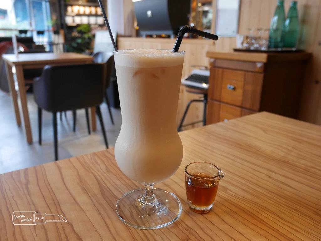 隱藏版小咖啡 羅東 宜蘭 IG打卡