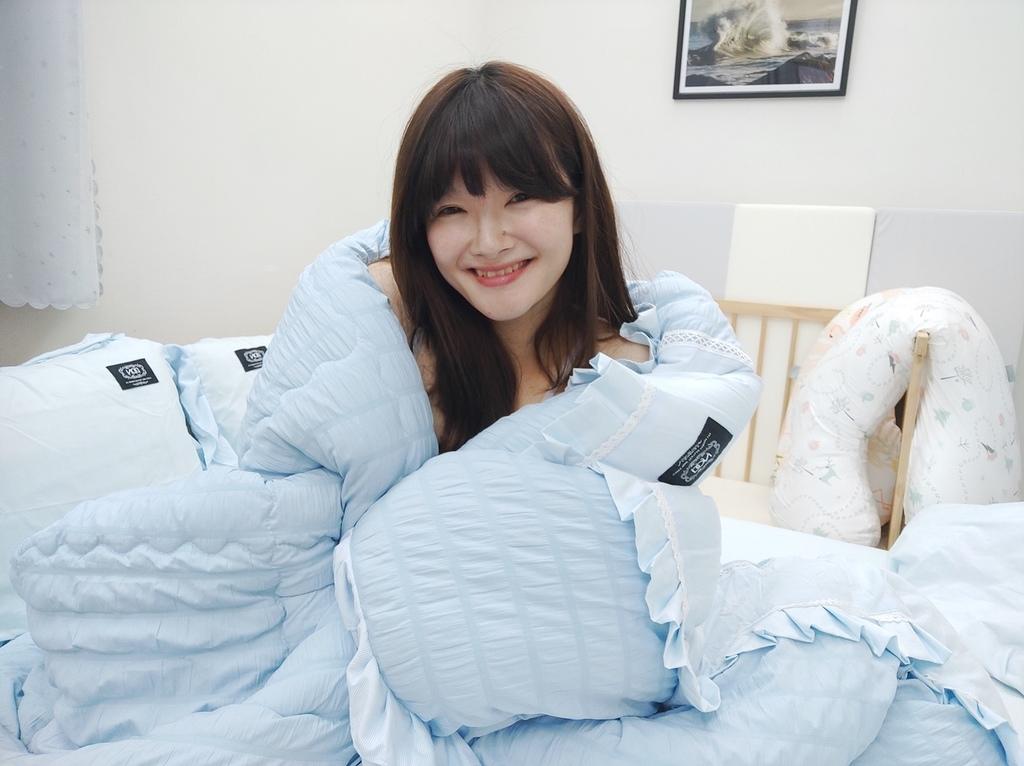 HOYACASA coozicasa 韓國風泡泡紗兩用被床包 水洗冬被.jpg