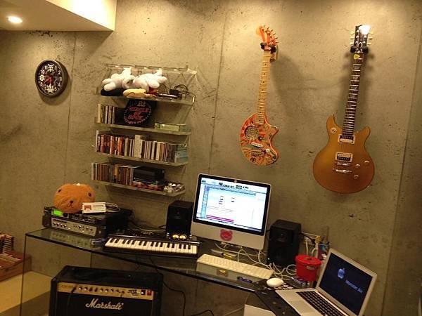 音 樂 工 作 室