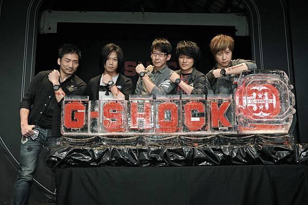 搖滾天團五月天強悍代言G-SHOCK !