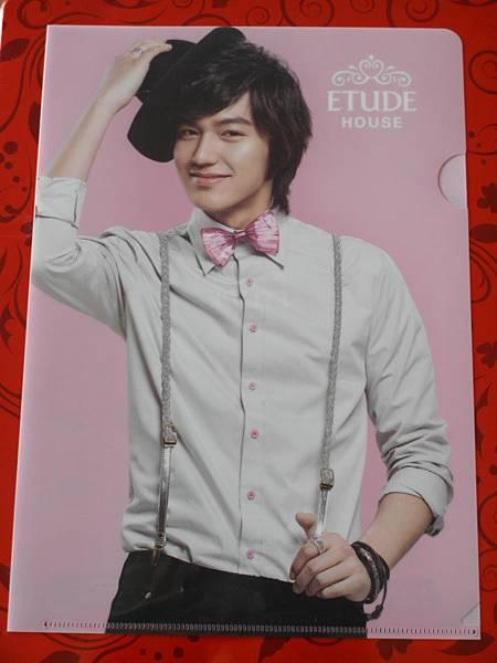 韓妝品牌 ETUDE HOUSE X 李敏鎬 Lee Min Ho 文件資料夾