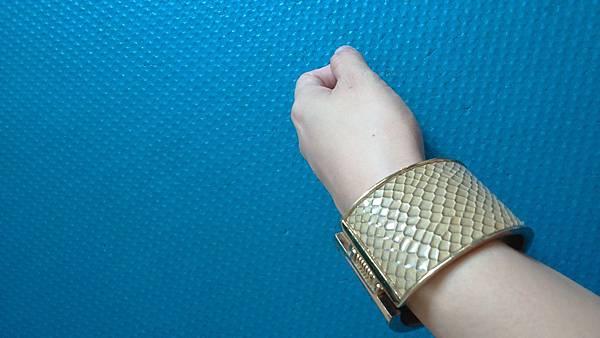 金屬手環 $90