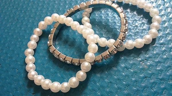 珍珠水鑽手環 $100(三組一起)