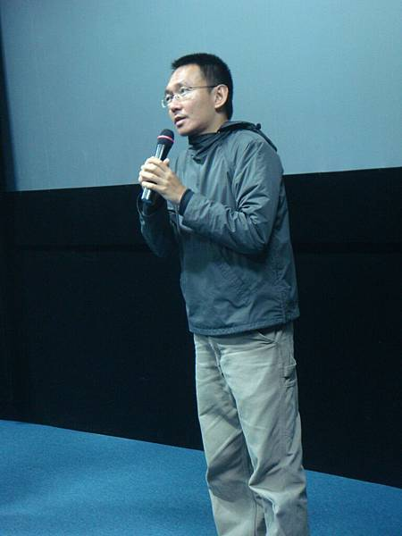 導演先跟大家預告《台北星期天》和他以前的作品很不一樣