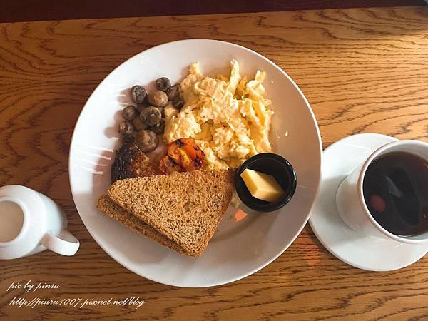 【英國倫敦】Frankie & Benny's英式早午餐,吃貨的旅費總算