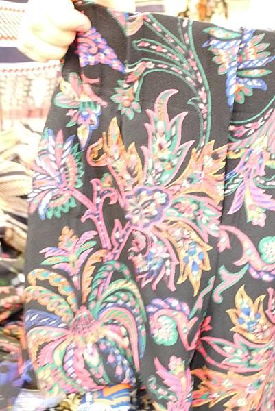 P1300757.JPG 褲裙(鬆緊的)訂價1580