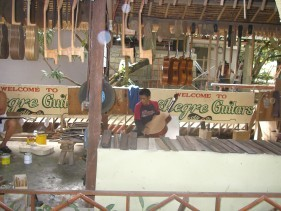 hand-craft guitar factory-g.jpg